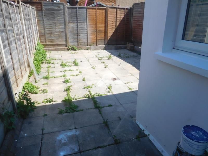 3 Bedroom House to rent in Enfield, Garfield Road