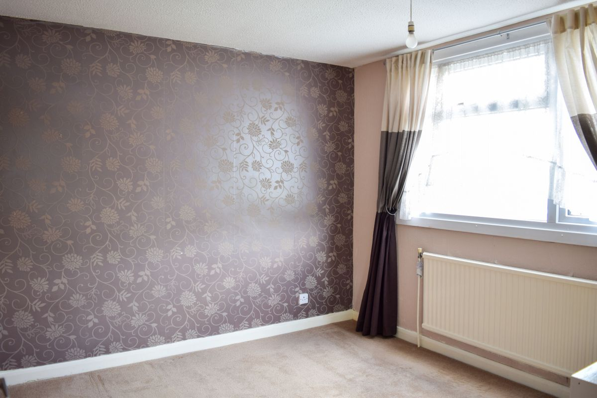 3 Bedroom Semi-Detached for sale in Daventry, Gleneagles Close