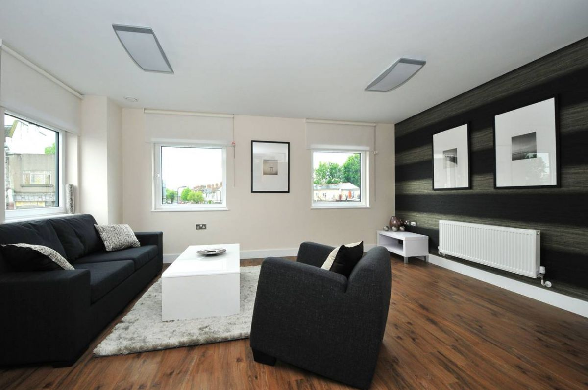 Studio to rent in Southall, Southbridge Way