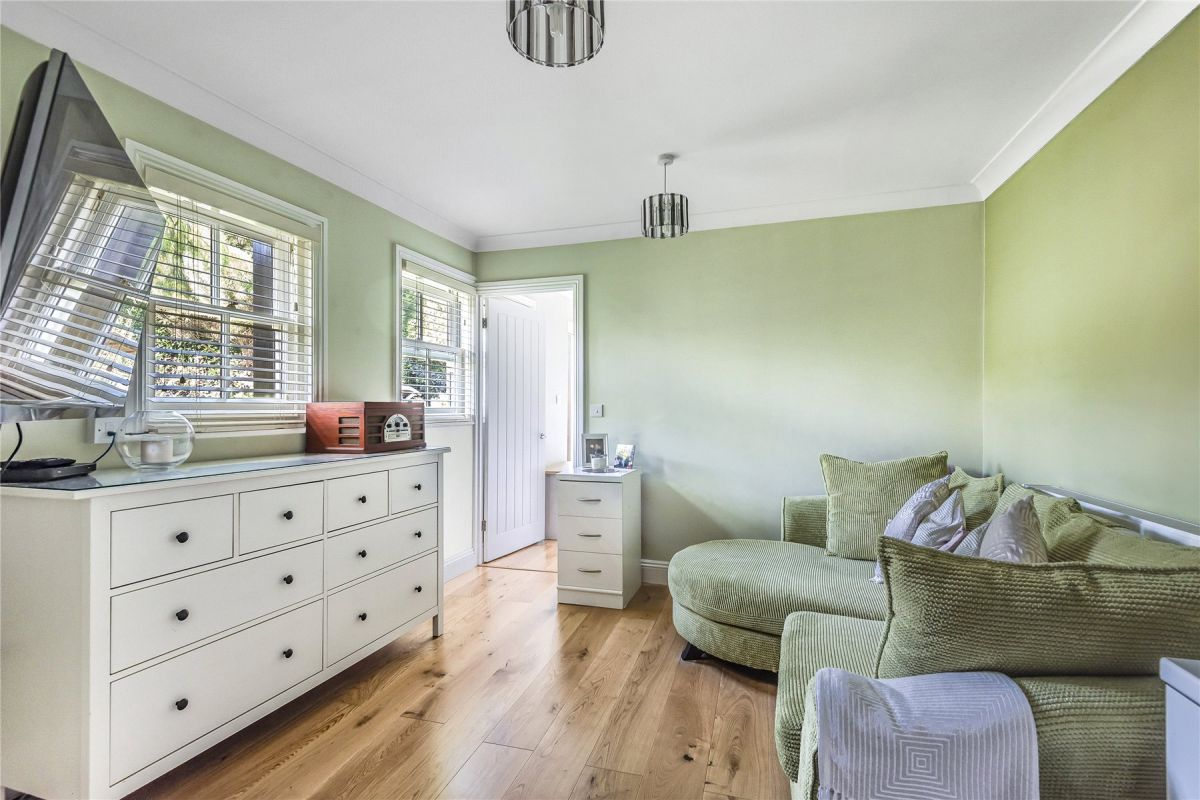 5 Bedroom Semi-Detached for sale in Orpington, High Street
