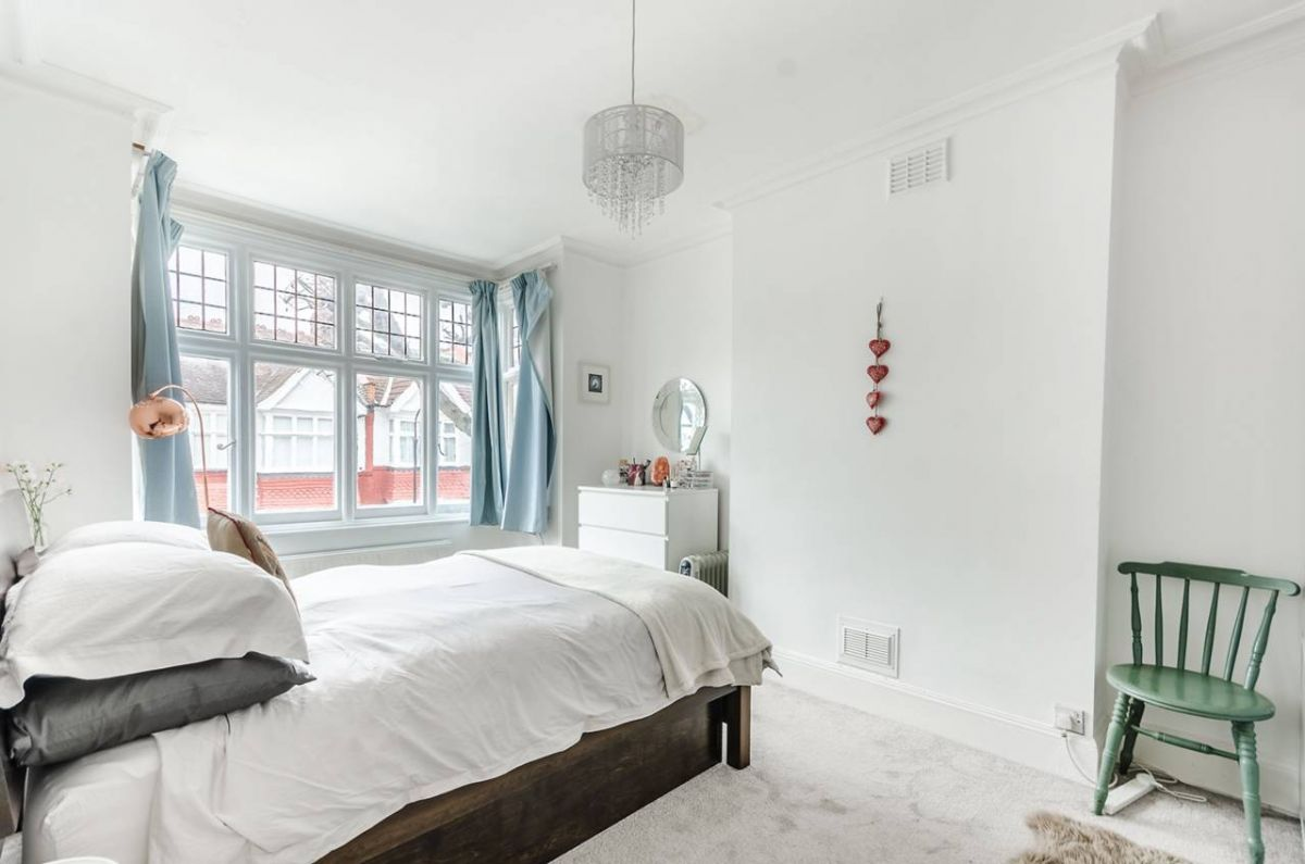 3 Bedroom Terraced for sale in Hammersmith, Silverton Road