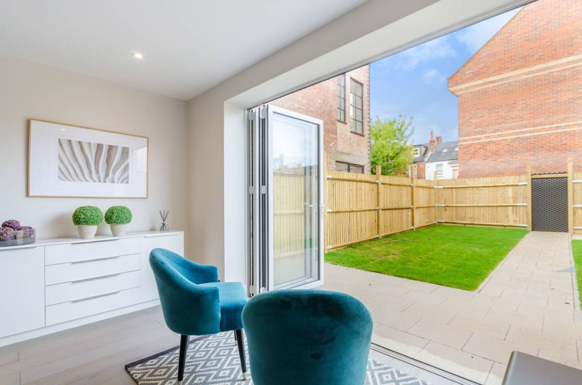4 Bedroom House for sale in Kingston Upon Thames, Borough Road