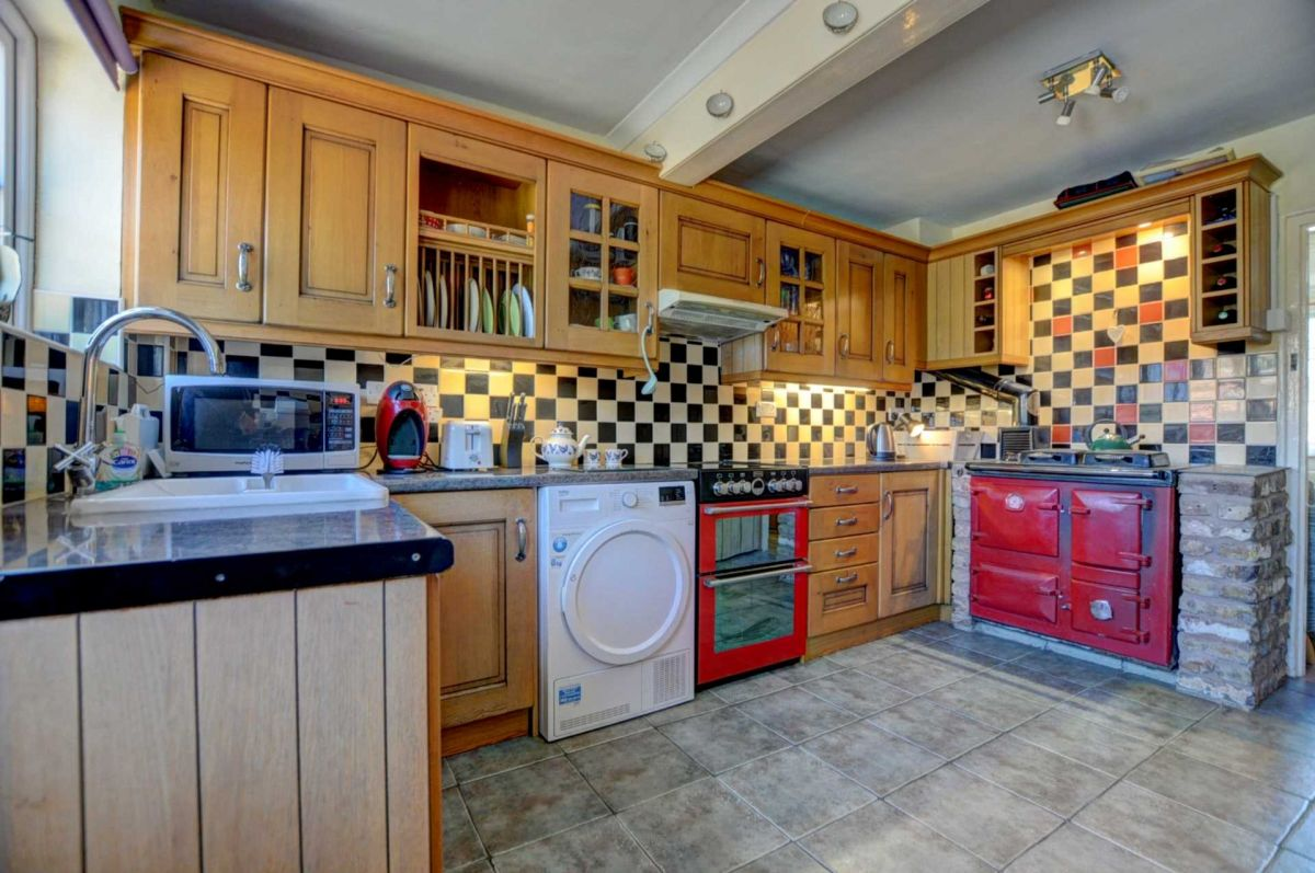 3 Bedroom End of Terrace for sale in Oxford, Weston Road