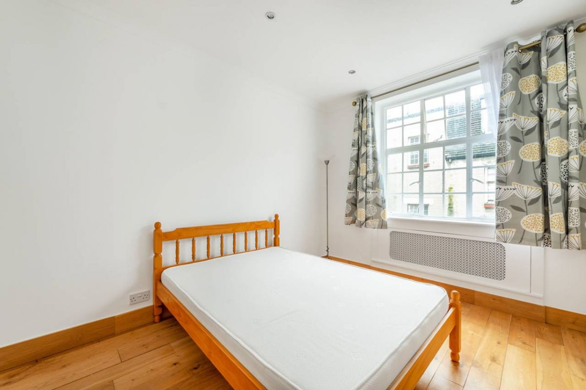 1 Bedroom Flat to rent in West Kensington, Kensington High Street