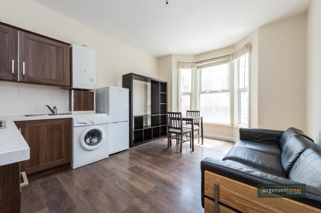 1 Bedroom Flat to rent in Shepherds Bush, Sterne Street