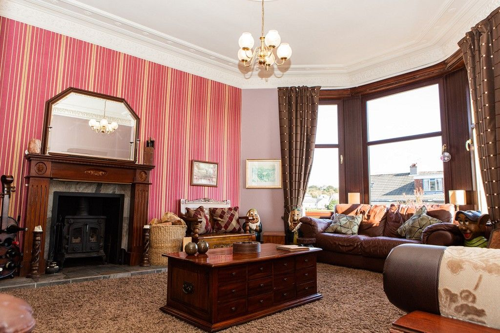 4 Bedroom Flat for sale in Paisley, Hawkhead Road