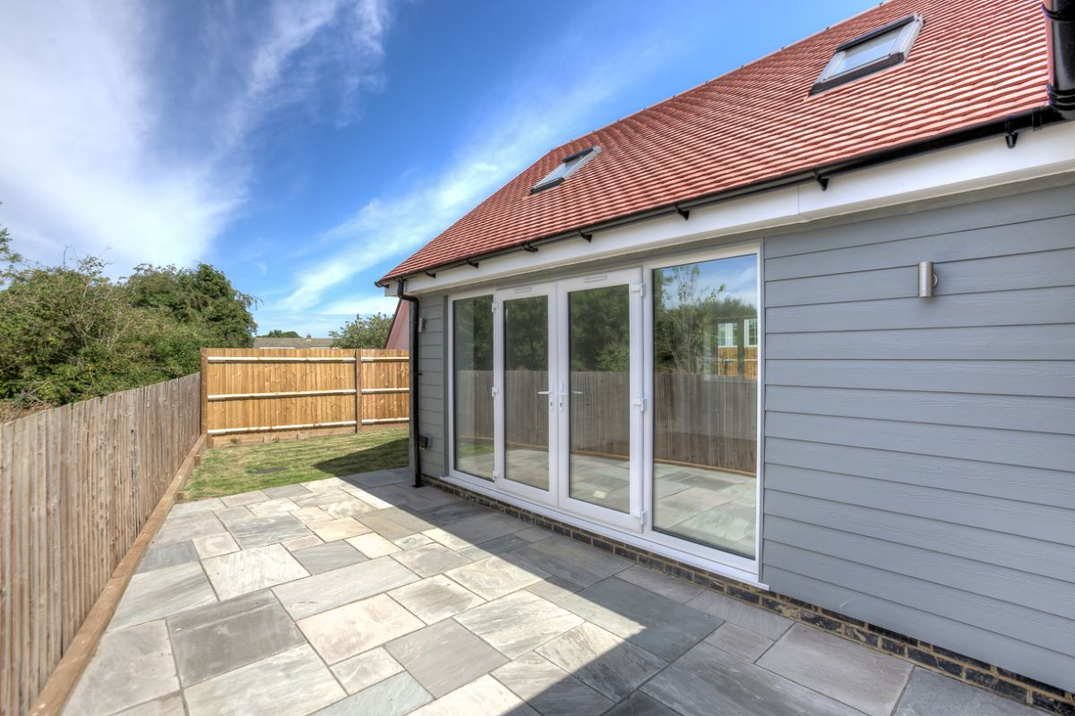 3 Bedroom Detached Bungalow for sale in Bishops Stortford, High View