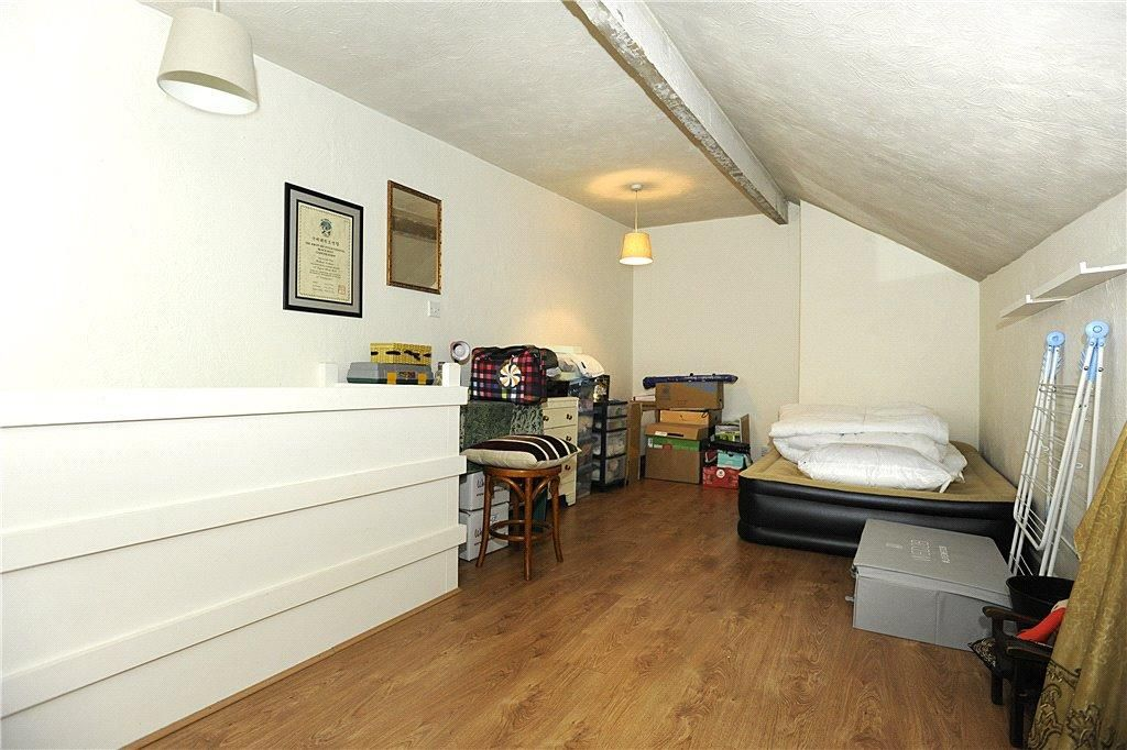 2 Bedroom Terraced for sale in Elland, Bath Street