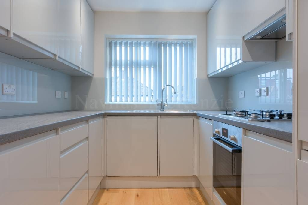 2 Bedroom Maisonette to rent in Cricklewood, Cotswold Gardens