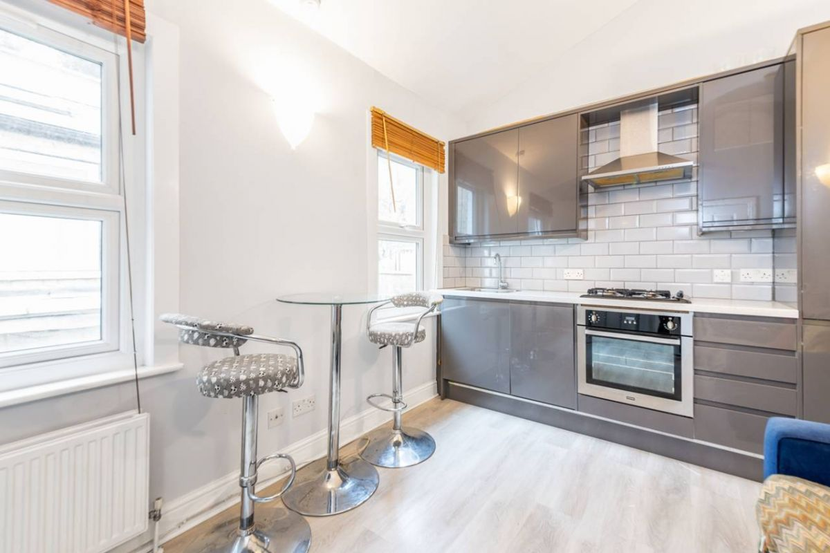 1 Bedroom Flat to rent in Roseville, Mill Lane