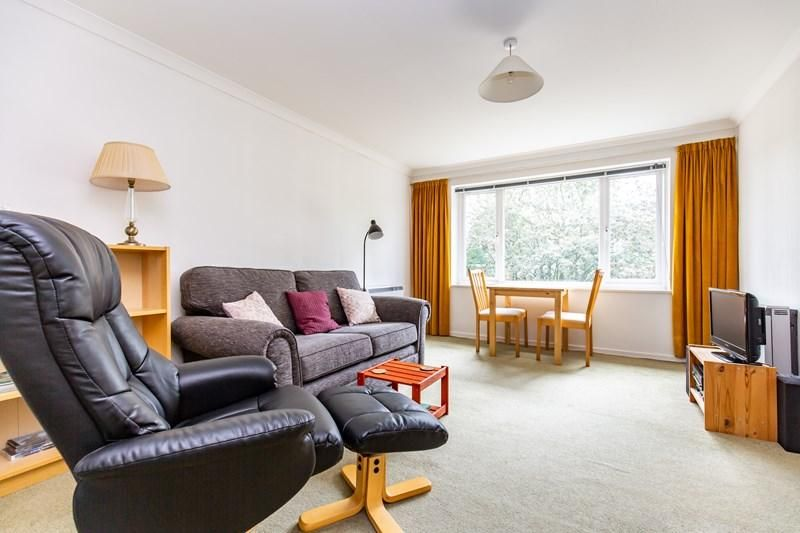 1 Bedroom Apartment for sale in Croydon, Chichester Road