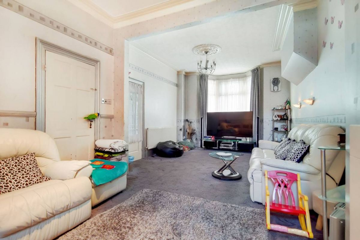 4 Bedroom Terraced for sale in Manor Park, Second Avenue