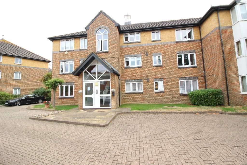 1 Bedroom Flat to rent in Worcester Park, Cotswold Way