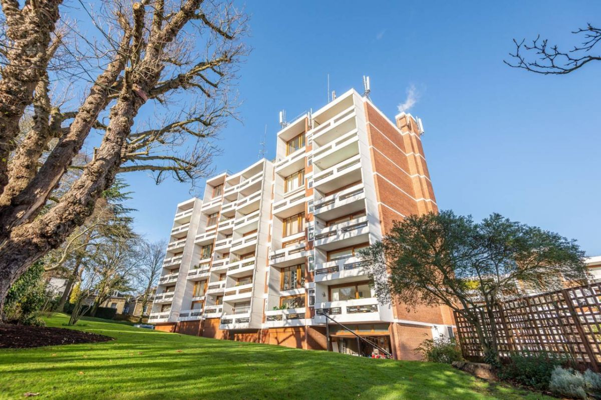 2 Bedroom Flat to rent in Highgate, Southwood Park
