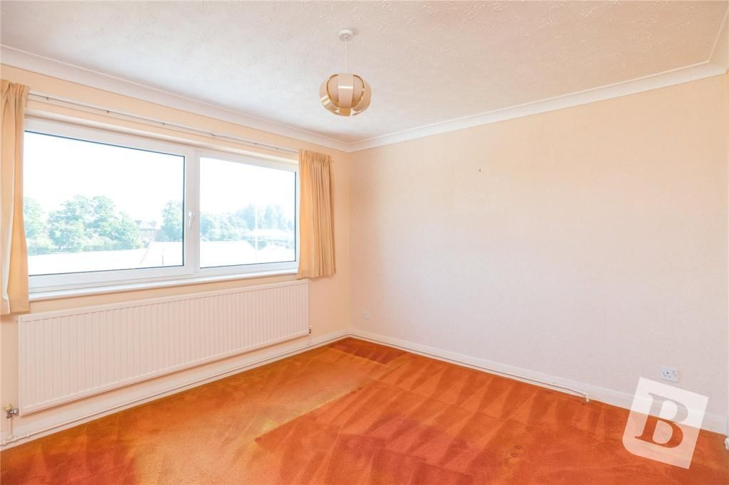 4 Bedroom Detached for sale in Gravesend, Sycamore Close