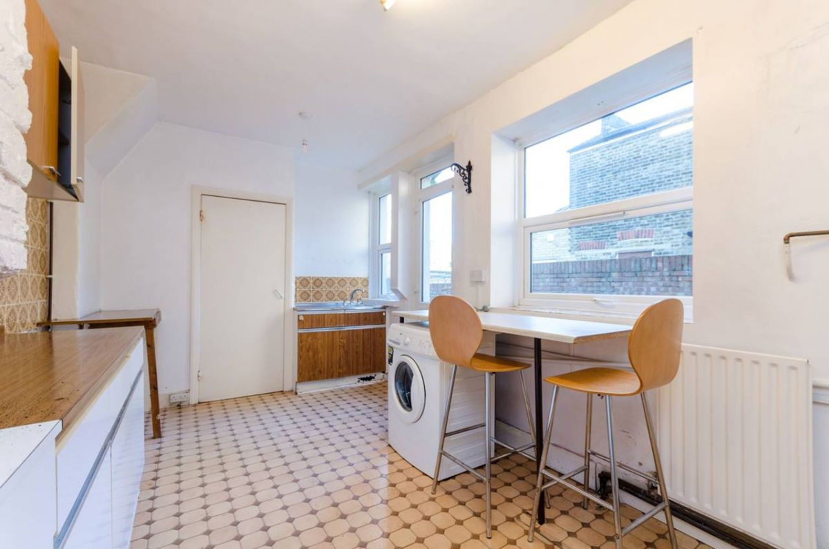1 Bedroom Flat for sale in Croydon, Leicester Road
