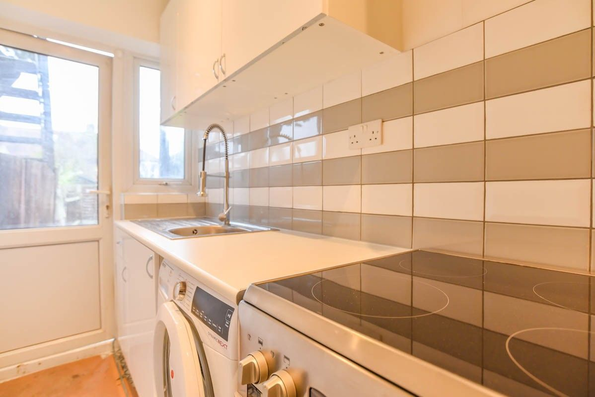 2 Bedroom Flat to rent in Muswell Hill, Sydney Road