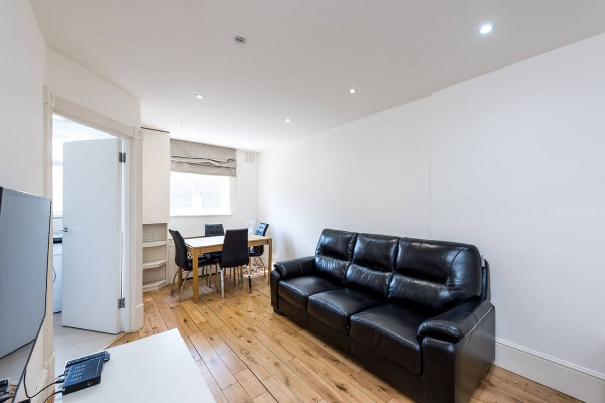 1 Bedroom Flat to rent in Earls Court, Cromwell Road