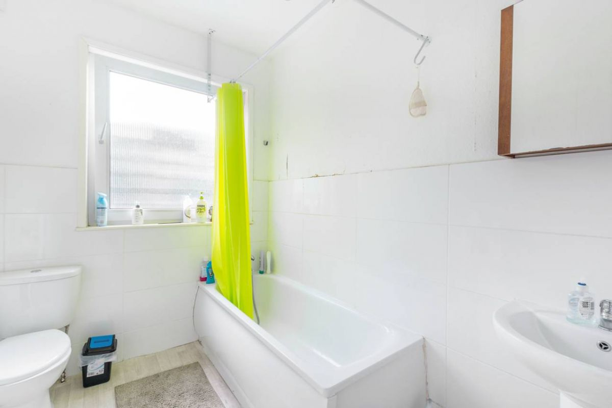 4 Bedroom Terraced for sale in Holloway, Caledonian Road