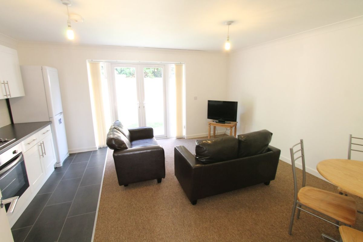 4 Bedroom House to rent in Bournemouth, Richards Close