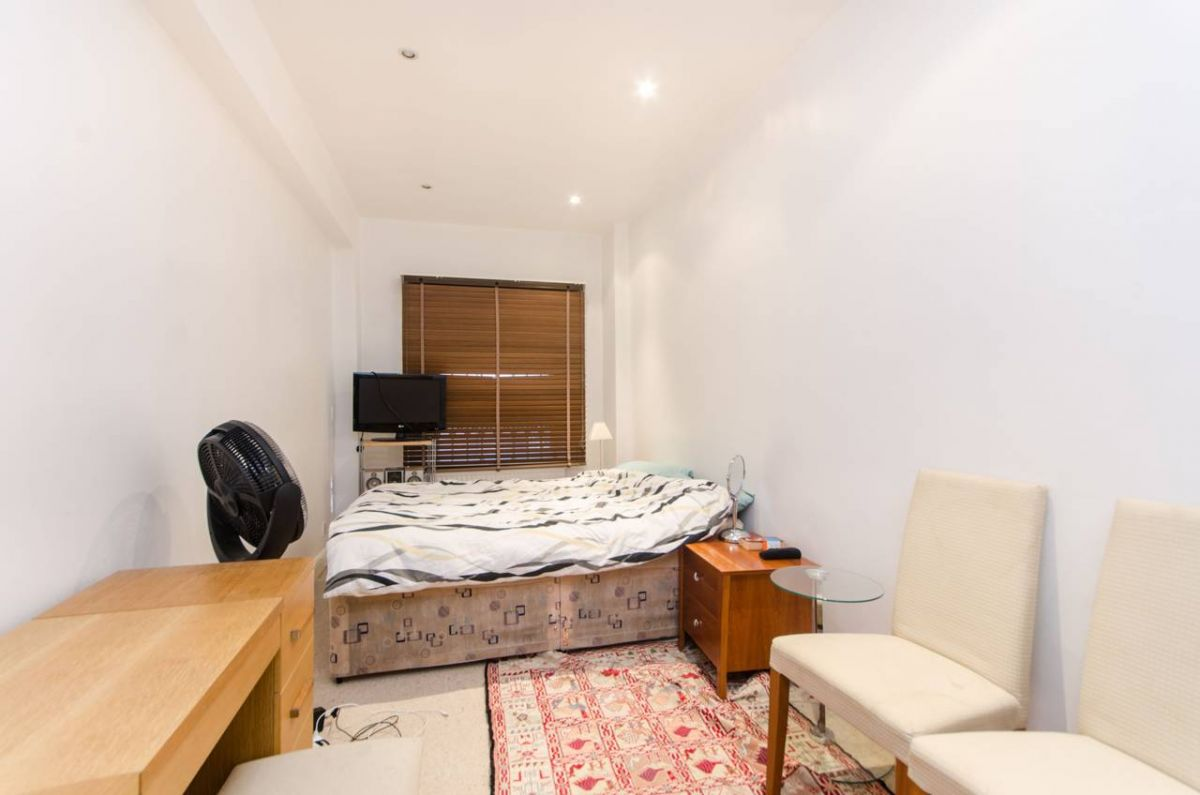 2 Bedroom Flat for sale in Chelsea, Brompton Square