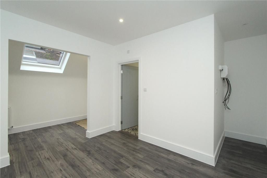 Apartment to rent in Acton, Hereford Road