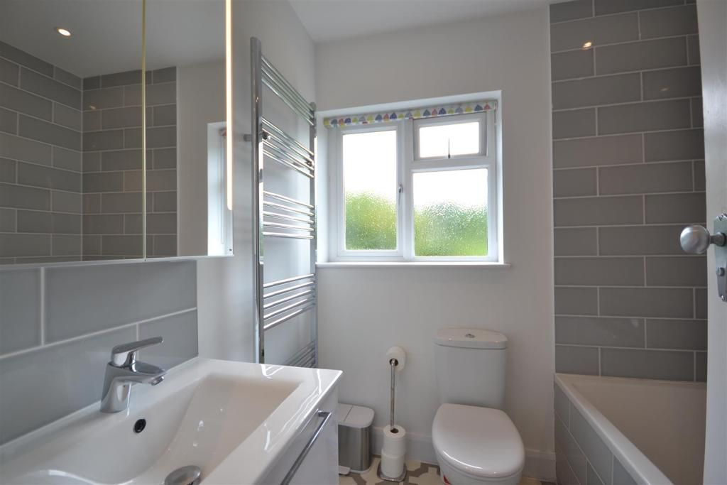 4 Bedroom Semi-Detached for sale in Epsom, Hazon Way