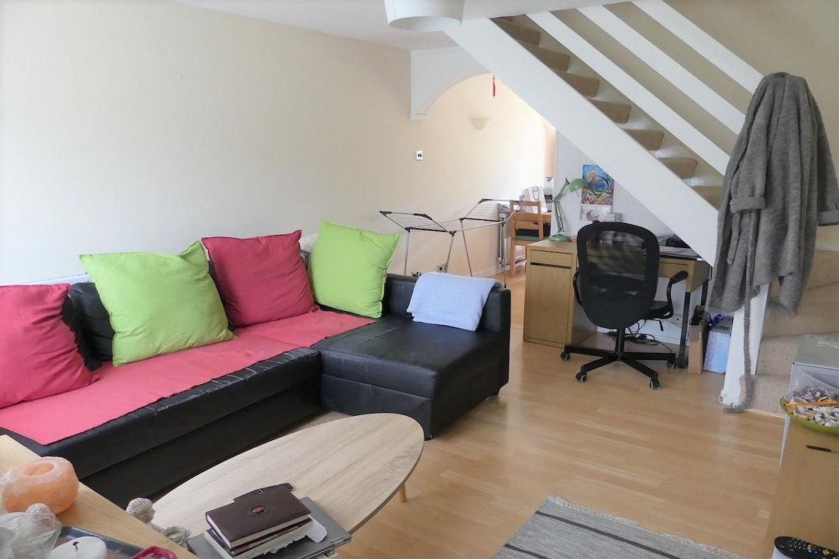 2 Bedroom End of Terrace for sale in Crawley, Ash Keys