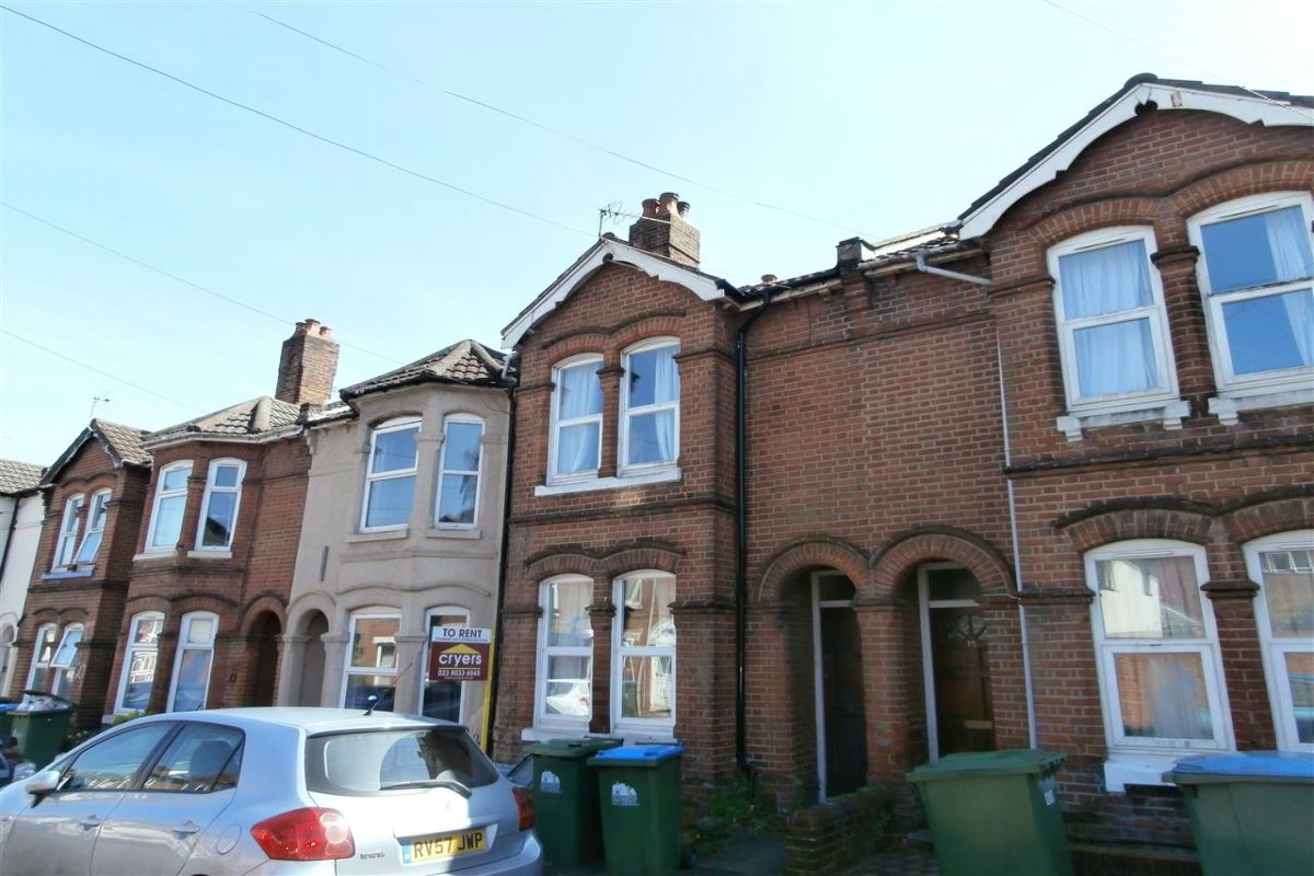 4 Bedroom Terraced to rent in Southampton, Livingstone Road