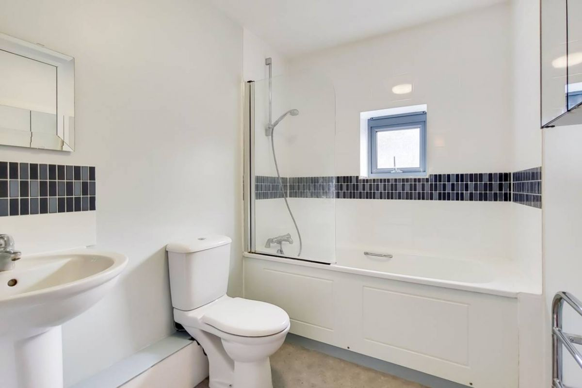 1 Bedroom Flat for sale in Clapham, Clapham Park Road