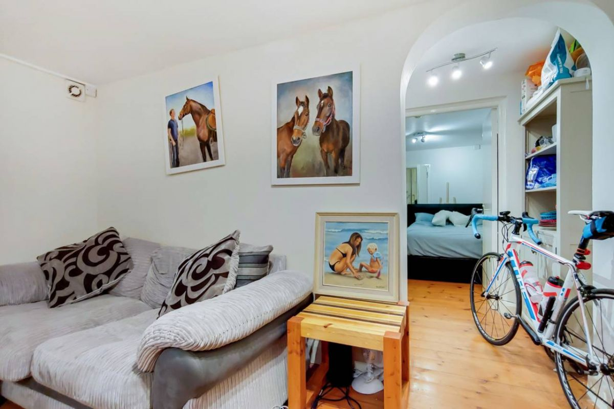 1 Bedroom Flat for sale in Holloway, Holloway Road