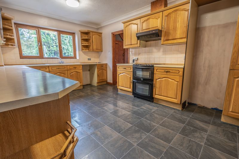 4 Bedroom Detached for sale in Bridgwater, Maunsel Road