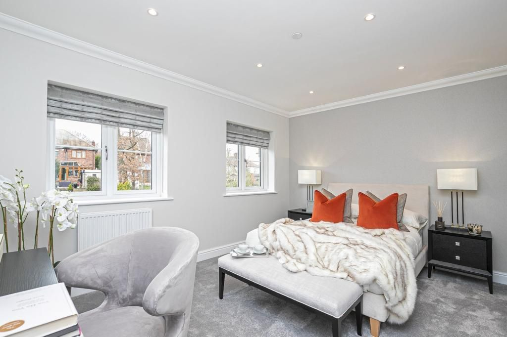 3 Bedroom Terraced for sale in Loughton, Highgrove Close