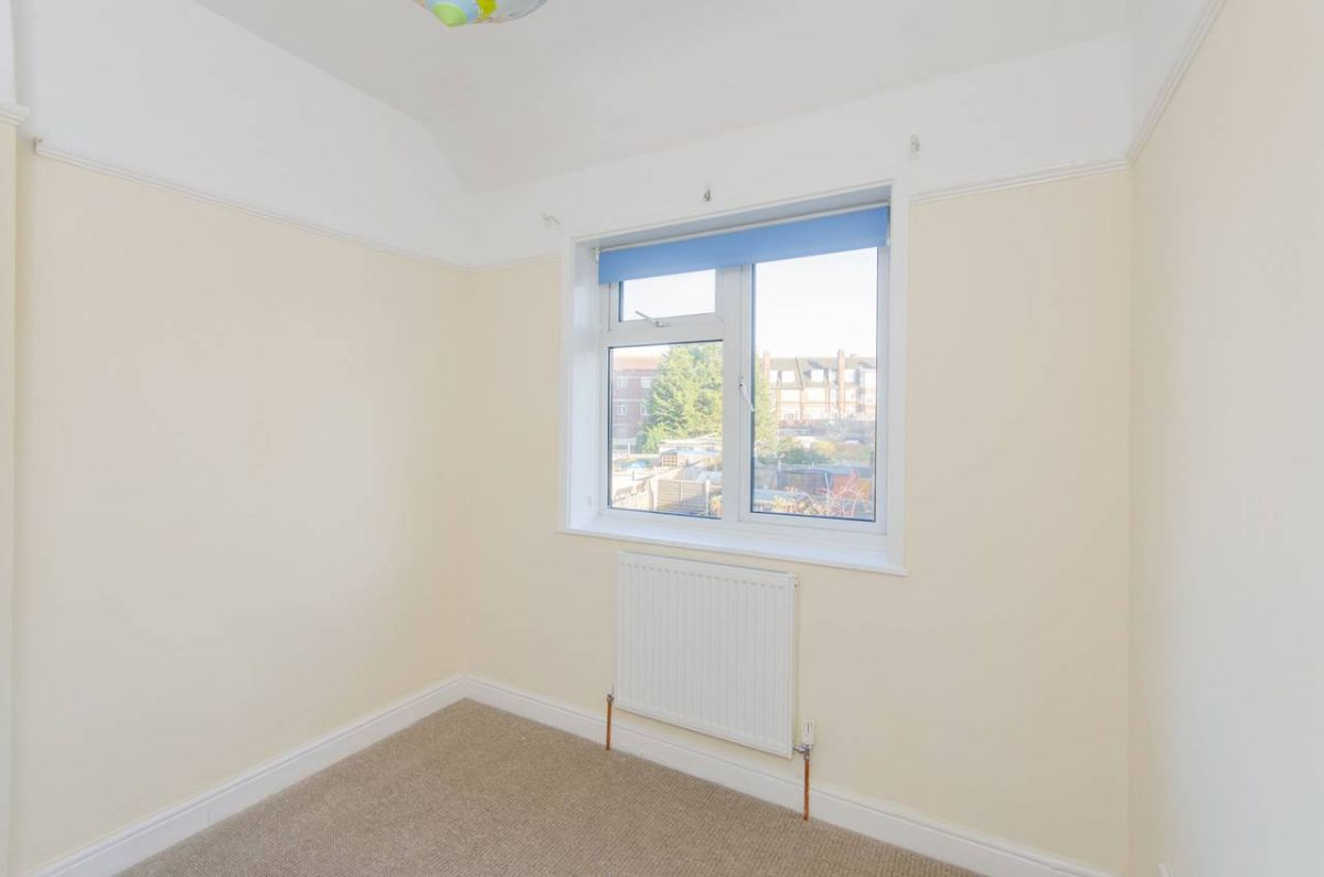3 Bedroom House to rent in Bromley, Old Bromley Road