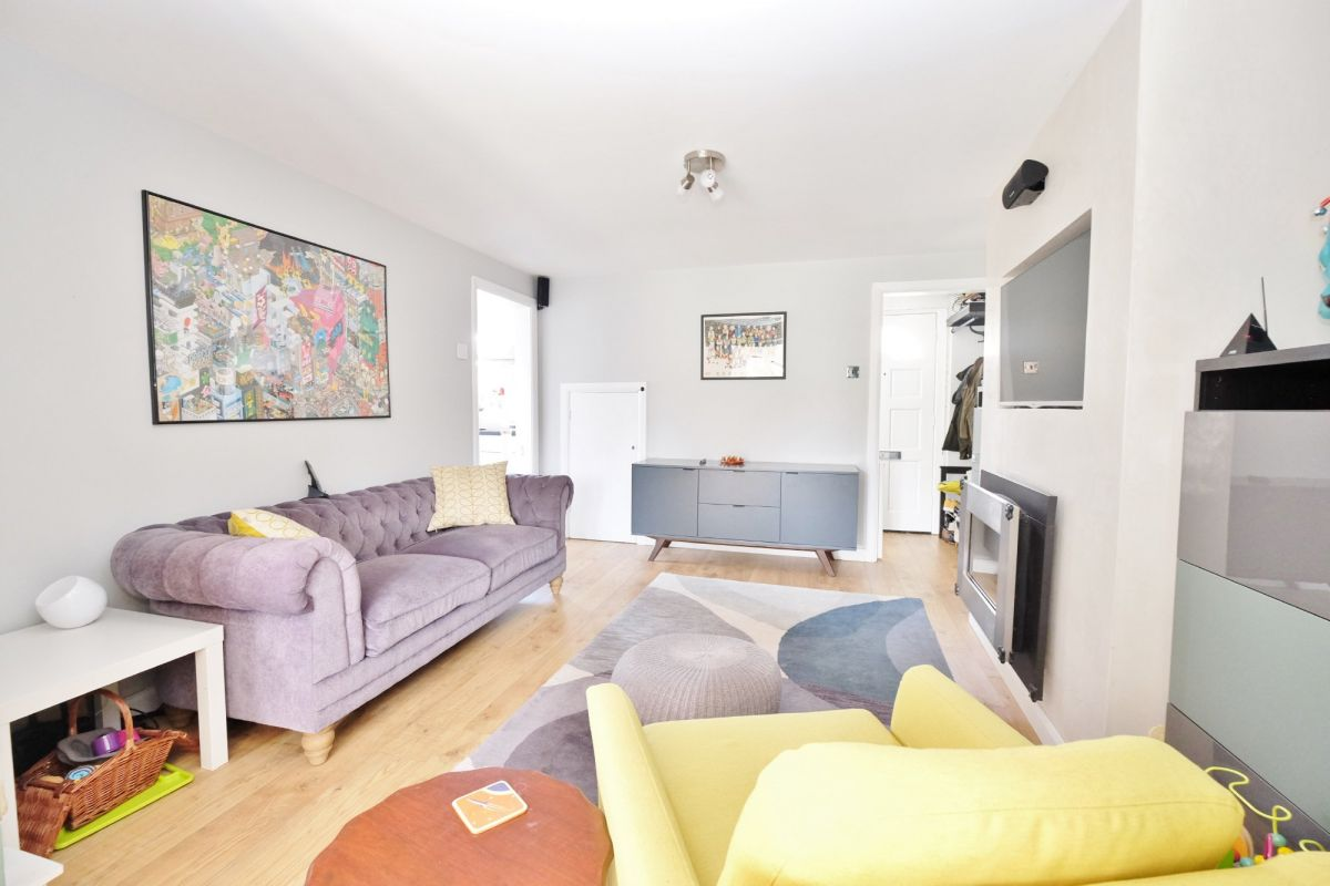 2 Bedroom End of Terrace for sale in Orpington, Brow Crescent