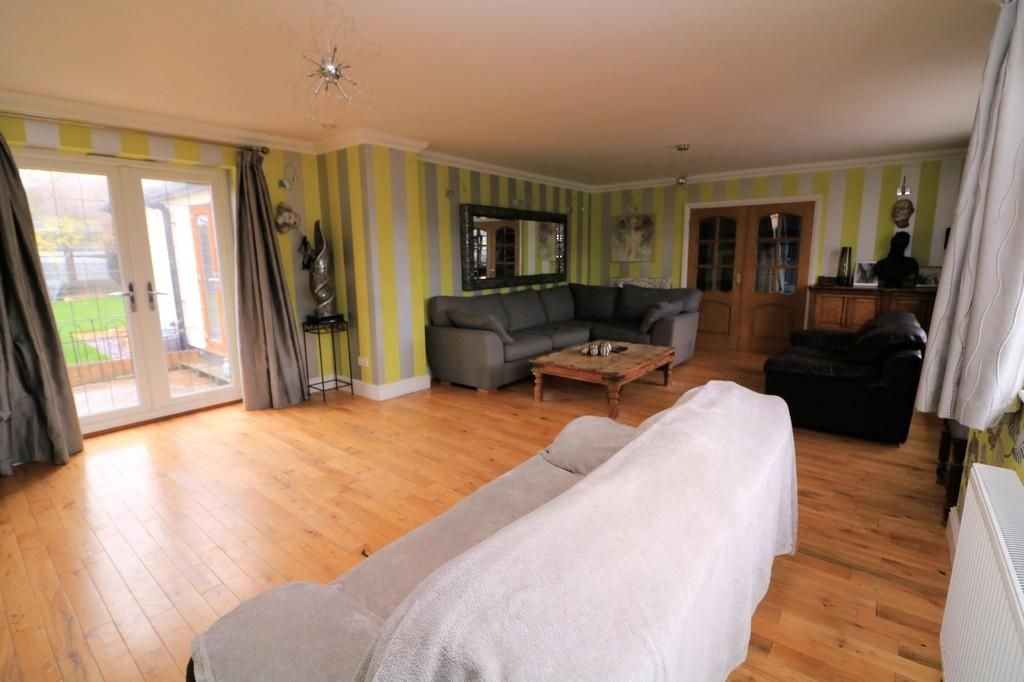 3 Bedroom Detached for sale in Southend On Sea, Leitrim Avenue