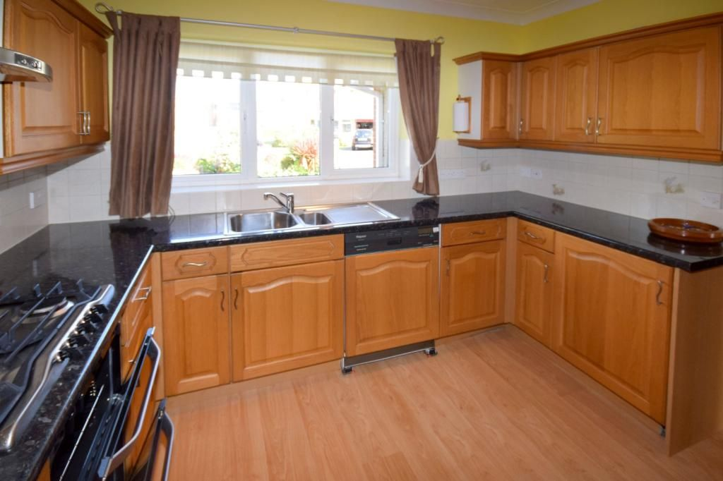 4 Bedroom Detached for sale in Yeovil, Watercombe Heights