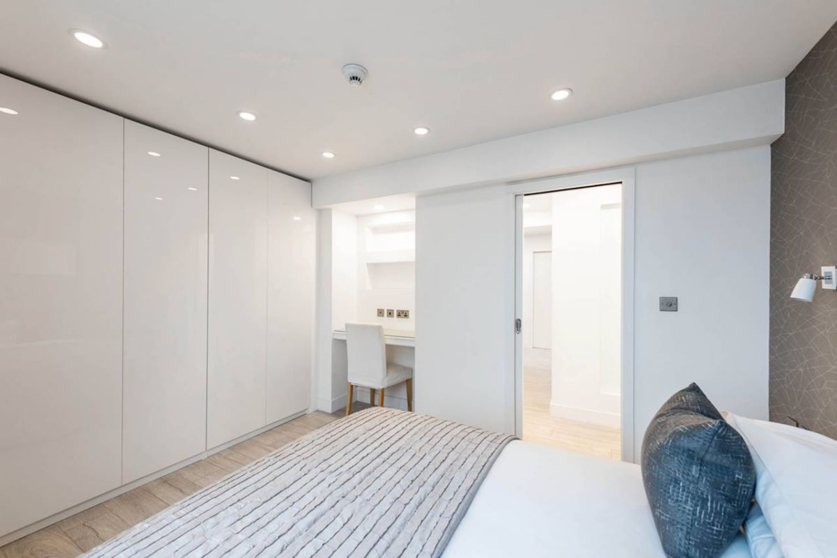 2 Bedroom Flat to rent in Chelsea, Sloane Avenue