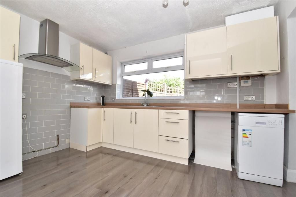 3 Bedroom Semi-Detached for sale in Dartford, Heath Road
