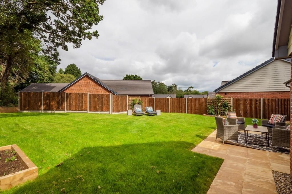 2 Bedroom Detached Bungalow for sale in Norwich, Holt