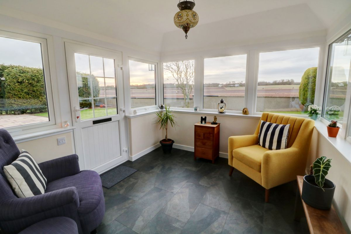 3 Bedroom Cottage for sale in Montrose, Montrose DD10