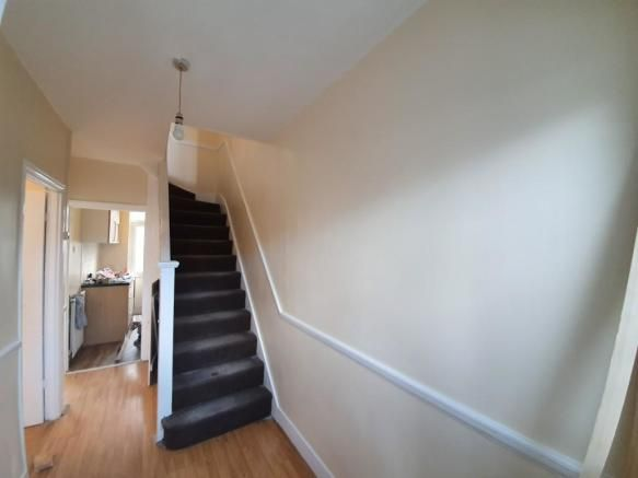3 Bedroom Terraced to rent in Dagenham, Lawrence Crescent