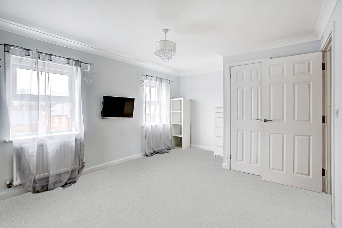 4 Bedroom Semi-Detached for sale in Stansted, Bentley Drive