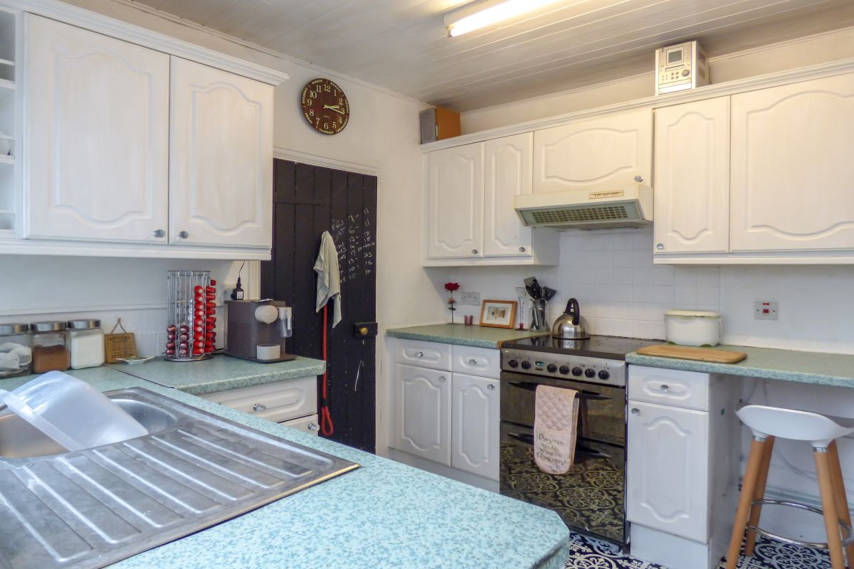 3 Bedroom Terraced for sale in Gravesend, Council Avenue