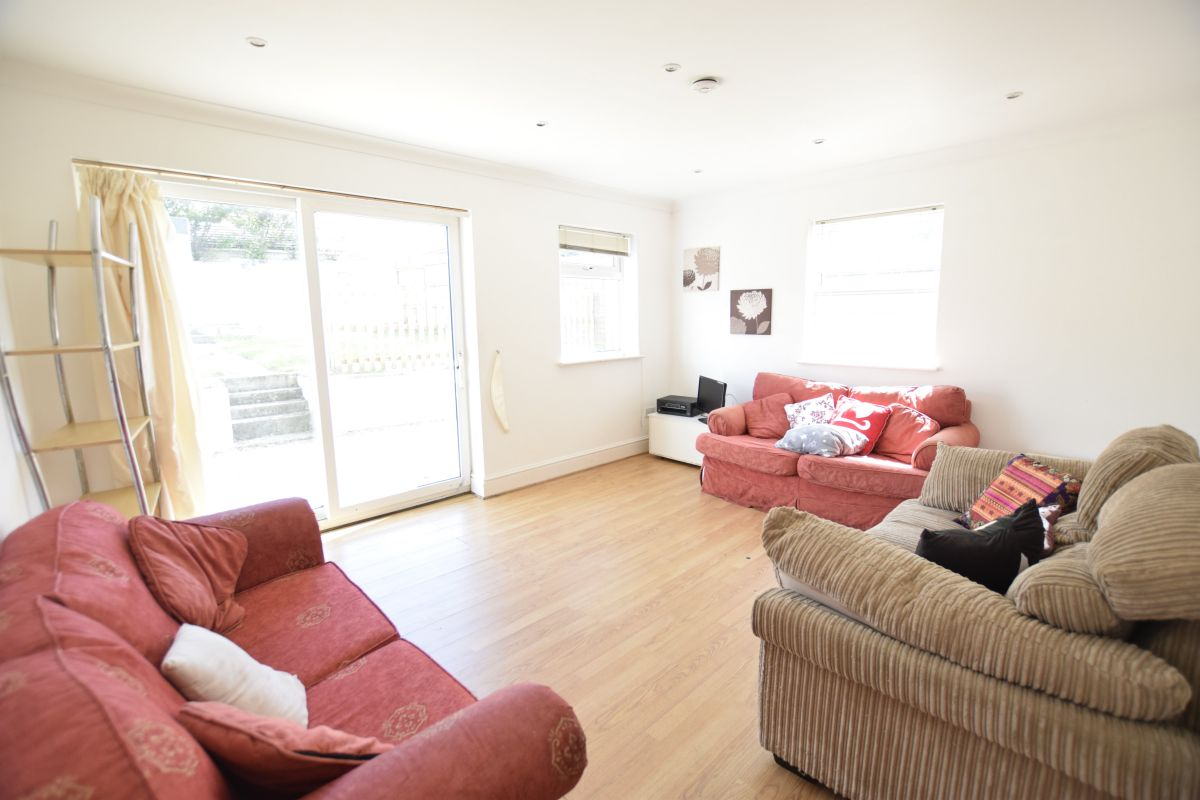 6 Bedroom House to rent in Bournemouth, Ripon Road