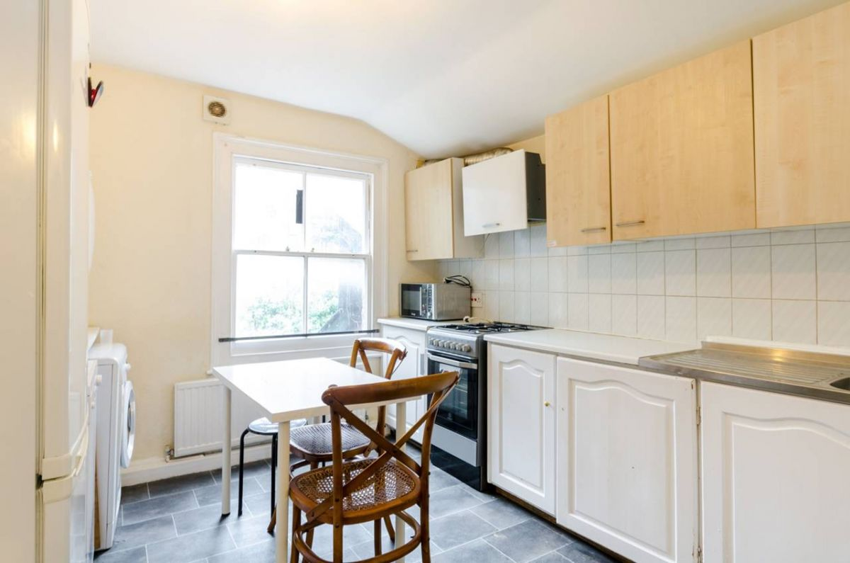 5 Bedroom House for sale in Kingston Upon Thames, Hardman Road