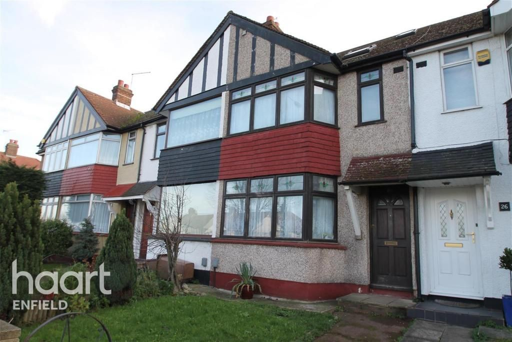 3 Bedroom Detached to rent in Chingford, Waltham Way