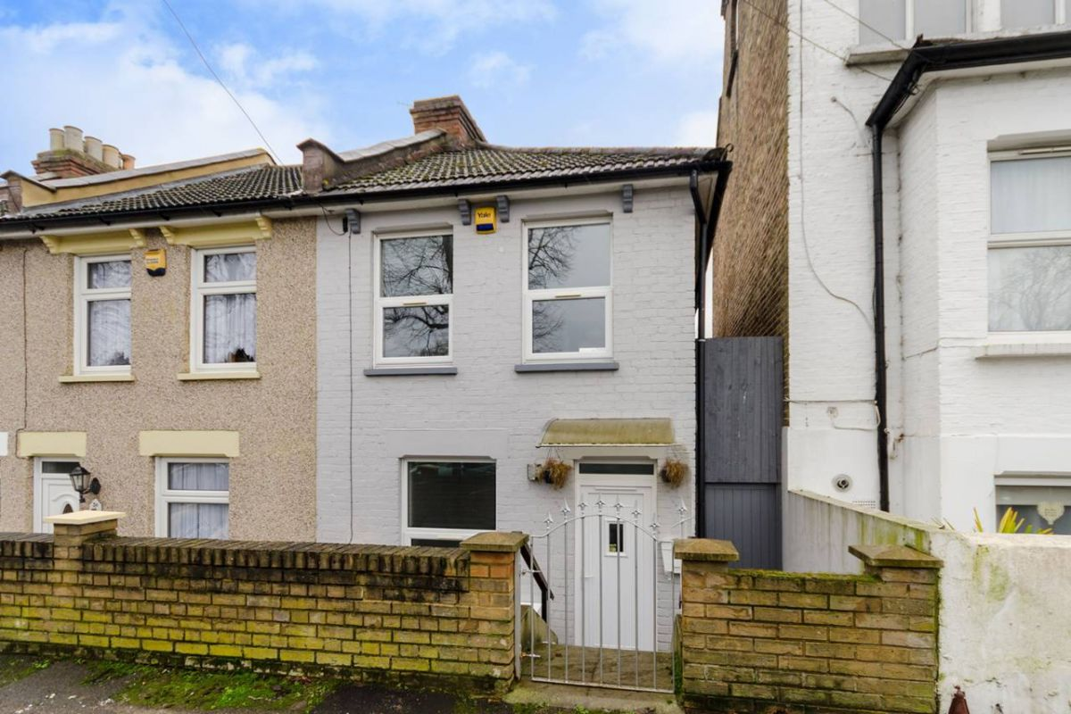 2 Bedroom House for sale in Croydon, Princess Road