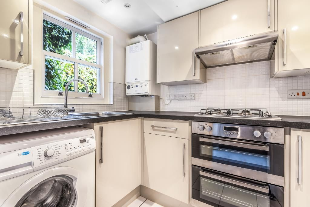 2 Bedroom Flat to rent in Richmond On Thames, Jocelyn Road