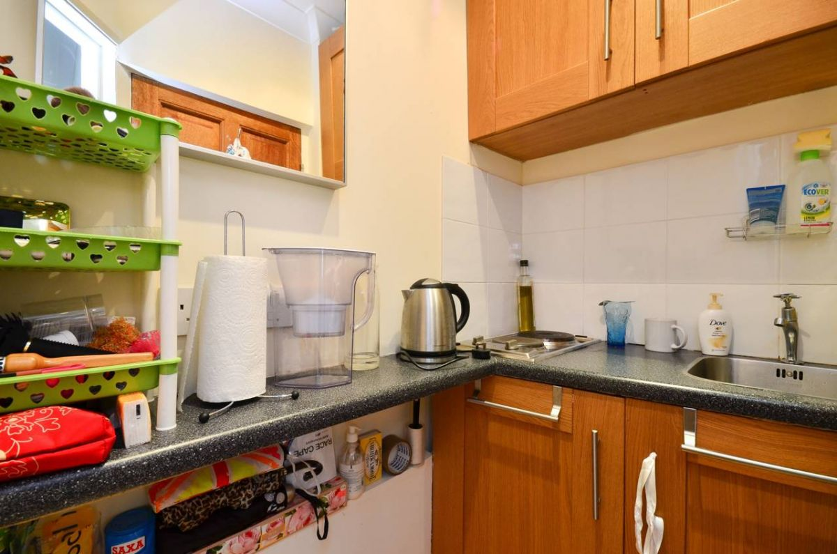 Studio to rent in Kensington, Prince of Wales Terrace